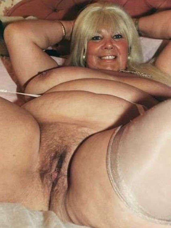 curly hair mature nudes